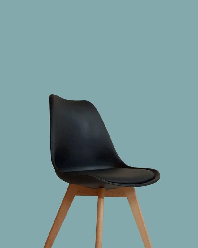 Jak odnowić tapicerkę krzesła?