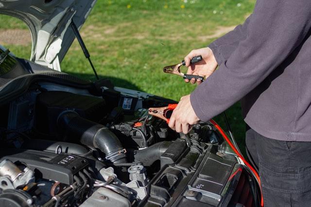Jak konserwować części samochodowe?